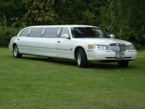 stretch limo from fleet